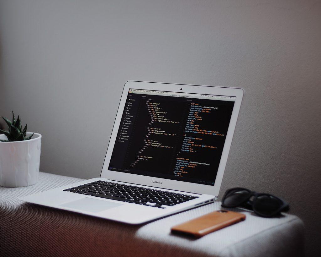 Benefits of Hiring Professional Web Design Companies