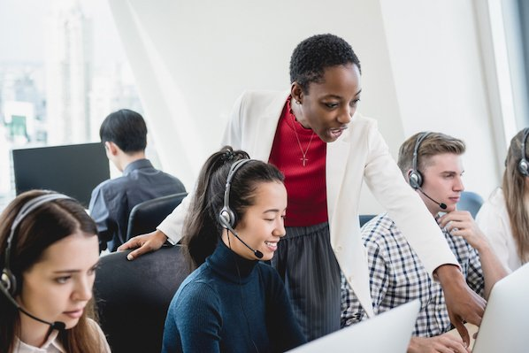 Choosing Call Center Phone System For Your Business